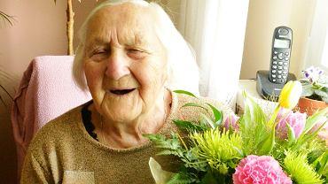 51f6c3a300 Dąbrowianka skończyła 100 lat. Dzięki temu będzie otrzymywać dużo wyższą  emeryturę