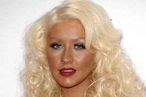 Spalony look Christiny Aguilery.