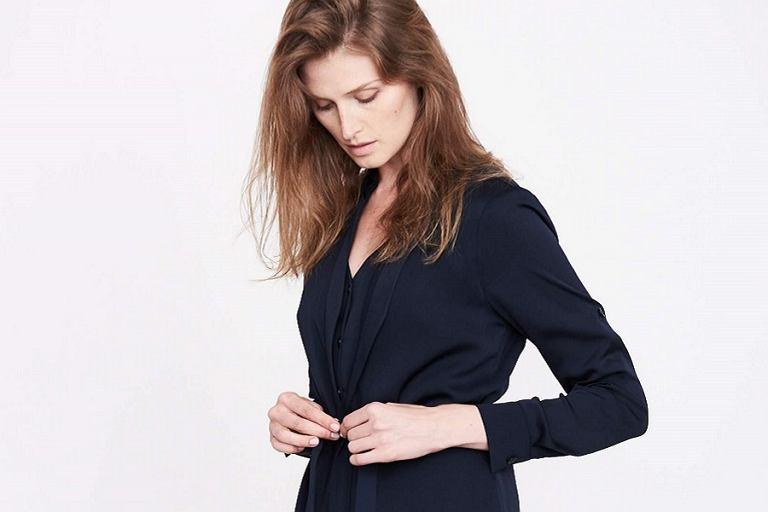 787c21bd3e Eleganckie sukienki Simple z wyprzedaży. Minimalistyczne.
