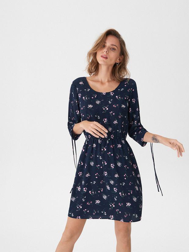 a086f17453 Wzorzysta sukienka