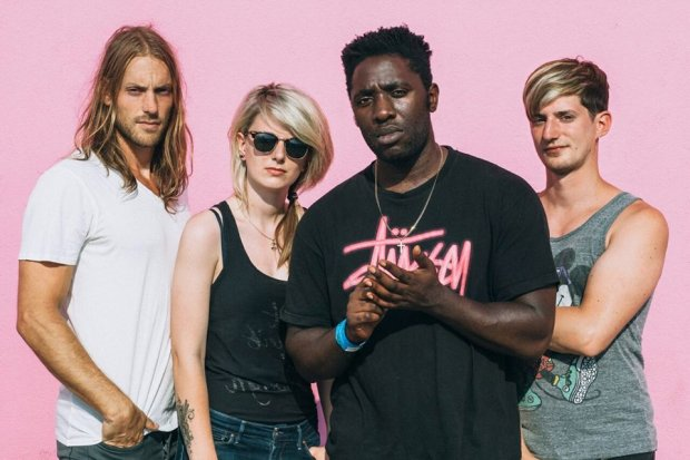 "Grupa Bloc Party opublikowała klip do singla ""The Love Within""."
