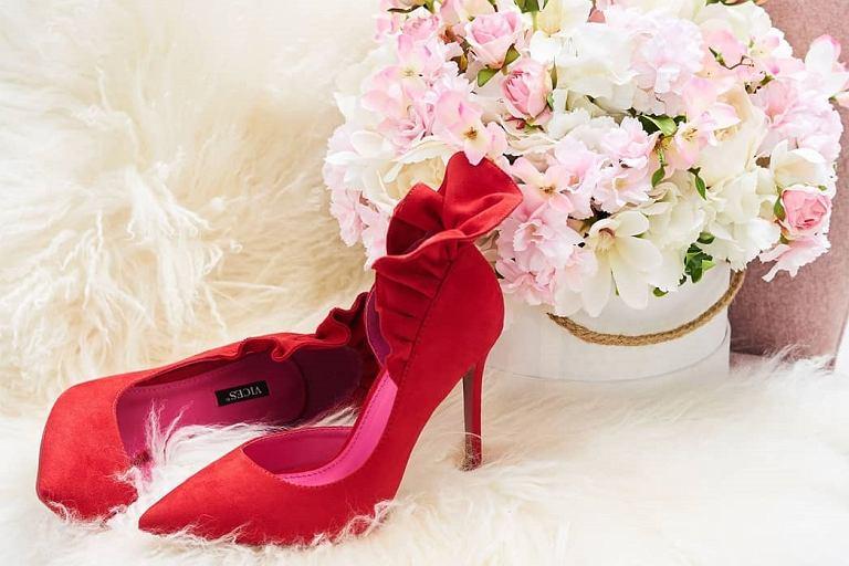 92502de6efb5e Jakie buty dobrać do sukienki na wesele