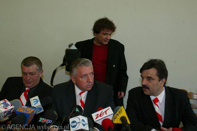 Stanisław Łyżwiński, Andrzej Lepper i Krzysztof Filipek. W tle Piotr Tymochowicz