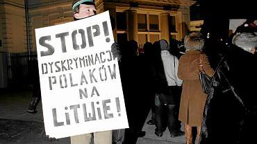 Protest przeciwko dyskryminacji Polaków na Litwie, 2011 r.