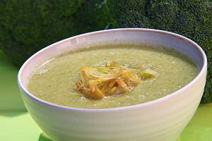 Zielone brokuły na pochmurną jesień