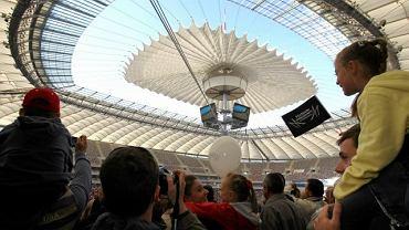 Próba z otwieraniem dachu na Stadionie Narodowym w Warszawie