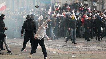 Starcia z policją podczas Marszu Niepodległości
