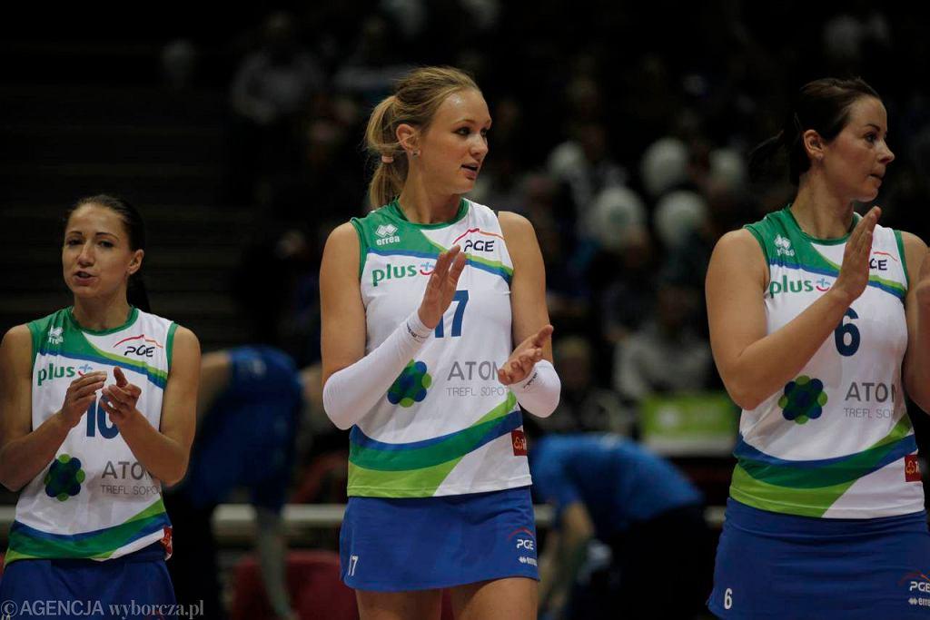 Małgorzata Kożuch (w środku)