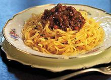 Spaghetti z sosem mięsnym bez pomidorów - ugotuj