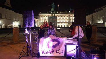 Muzyczny protest przeciw ACTA pod Pałacem Prezydenckim
