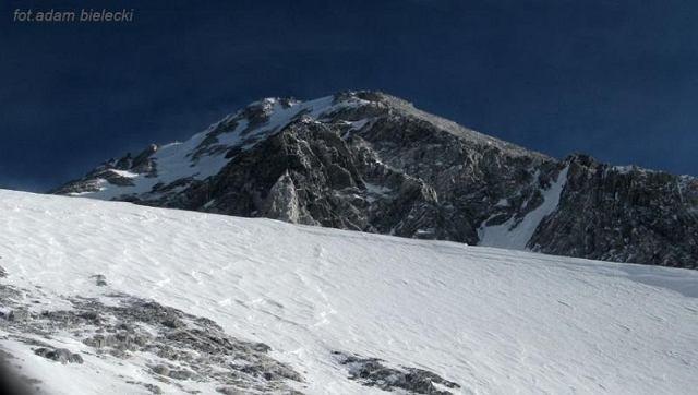 Widok na kopułę szczytową GI z obozu 3