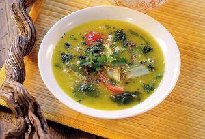Zupa maślana z warzywami i czarnym kminkiem