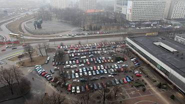 W miejscu, gdzie stał Pałac Ślubów jest teraz tymczasowy parking