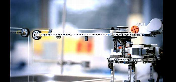 Jak robot Lego pomaga budować sztuczne ludzkie kości