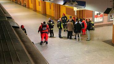Akcja ratunkowa w metrze. Niestety nie udało się uratować mężczyzny