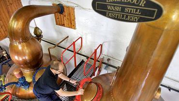 Za prohibicji whisky z Edradour zalewała amerykański podziemny rynek. Dziś cała roczna produkcja zmieściłaby się w trzech cysternach.
