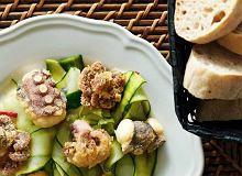 Ośmiornica z orientalną sałatką ogórkową - ugotuj