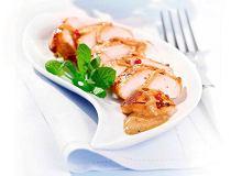 Kurczak z sosem jogurtowym i sałatką z mięty - ugotuj