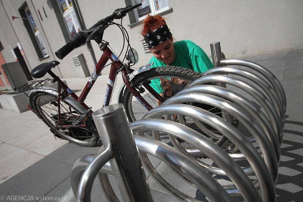 Spirala na rowery przed Drukarnią