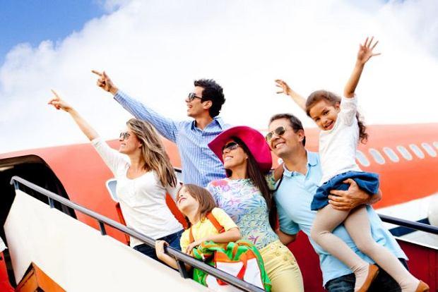 Problem ze zdrowiem na lotnisku lub w samolocie - co robić?