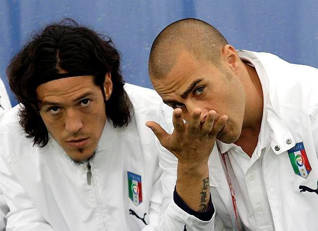 Z lewej Mauro Camoranesi, z prawej Fabio Cannavaro