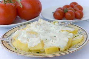 Sałatka z ziemniaków z serem blue