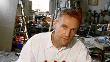 Marek Leśniak zajmuje się scenografią reklamową