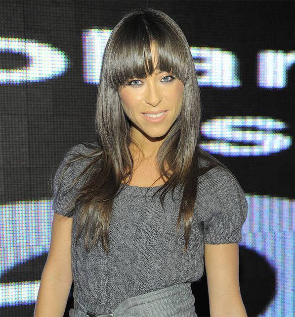 Natalia Kukulska wybrała proste włosy z grzywką.
