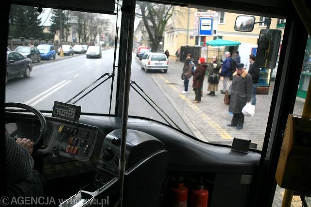 Kabina kierowcy autobusu