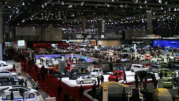 Najgorsze za nami - twierdzą międzynarodowe koncerny samochodowe. Sprzedały zalegające na placach auta, zwiększają produkcję, a nawet zatrudniają nowych ludzi