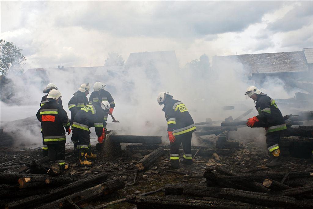 Zgliszcza stodół w Nowej Białej k. Nowego Targu