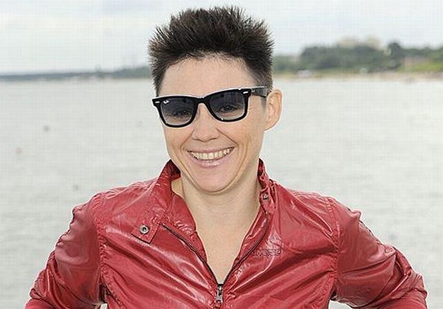 Maria Peszek pojawiła się na festiwalu w Sopocie i poświęciła chwilę fotoreporterom. Wiedzieliśmy, że w nowej fryzurze