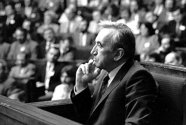 24 sierpnia 1989, Sejm głosuje nad kandydaturą Tadeusza Mazowieckiego na premiera