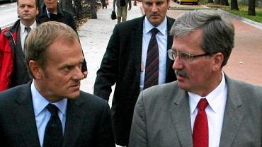 Z premierem Donaldem Tuskiem podczas konferencji prasowej