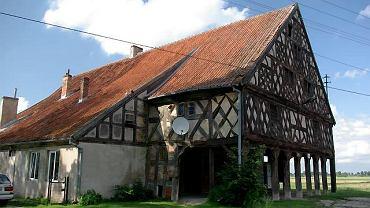 Dom podcieniowy w Kleciu