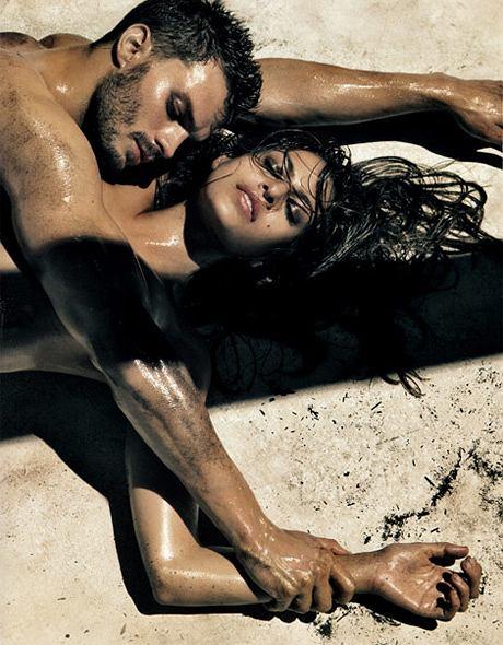Eva Mendes w kampanii reklamowej Calvin Klein jeans na sezon wiosna/lato 2010