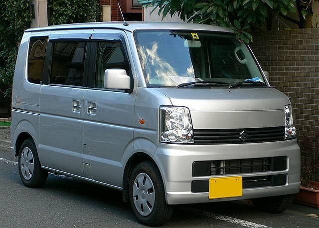 Japoński koncern Suzuki wycofuje z rynku 430 tys. sztuk modelu Suzuki Every (Z) oraz Mazdy Scrum