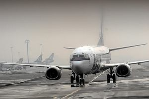 Mgła znów sparaliżuje lotniska? Okęcie: Możliwe opóźnienia