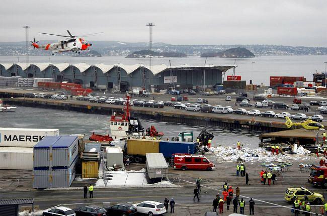 Część wagonów wpadła do morza