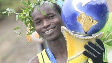 W przełajach i na długich dystansach Afrykanie biją na głowę resztę świata. Na zdjęciu: zwycięzca 10. Poznań Maraton - Samson Kimeli Chebii