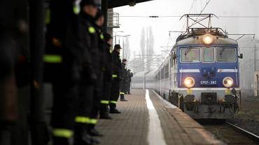 Pociąg specjalny z Katynia na Dworcu Zachodnim w Warszawie