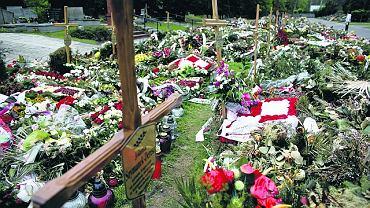 Kwatera na Cmentarzu Wojskowym na Powązkach, gdzie leżą ofiary katastrofy pod Smoleńskiem