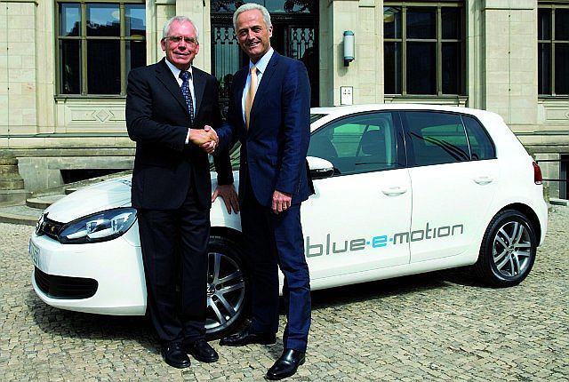 Koncepcyjny Volkswagen Golf Blue-e-Motion