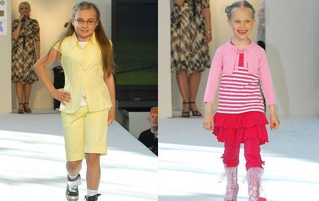 Nicole Saleta i Helenka Englert na pokazie butów Ewy Minge i firmy Bartek.