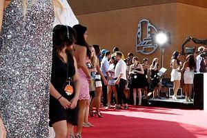 Gala MTV Movie Awards w Los Angeles jak co roku zgromadziła tłumy gwiazd, gwiazdeczek i ludzi aspirujących. Jak zwykle podczas imprez MTV nie obyło się bez występów muzycznych.