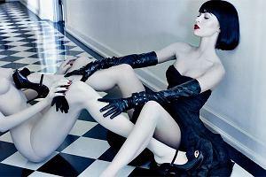 W najnowszej sesji zdjęciowej dla magazynu Interview Megan Fox kopuluje z własnym sobowtórem...