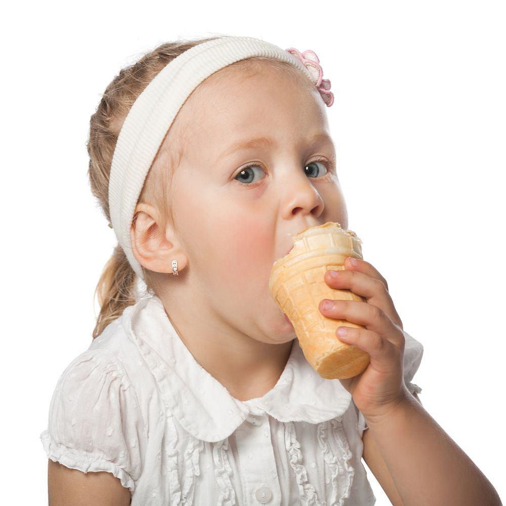 Słodycze najlepiej smakują dzieciom. Niestety właśnie dla nich są najbardziej niezdrowe.