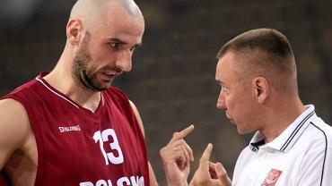 Igor Griszczuk (z prawej) i lider koszykarskiej reprezentacji Polski Marcin Gortat