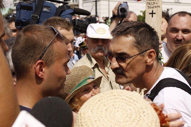 Kłótnia wokół krzyża na Krakowskim Przedmieściu
