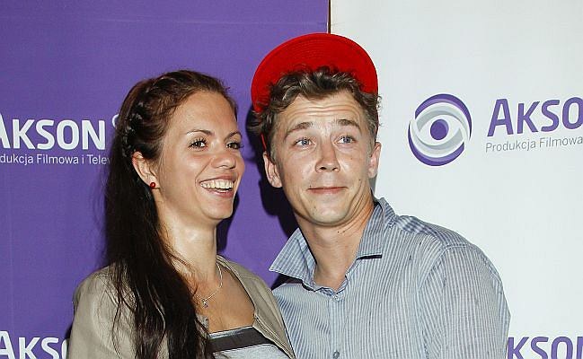 Bartosz Obuchowicz pojawił się z żoną Katarzyną Obuchowicz na bankiecie z okazji zakończenia zdjęć to serialu